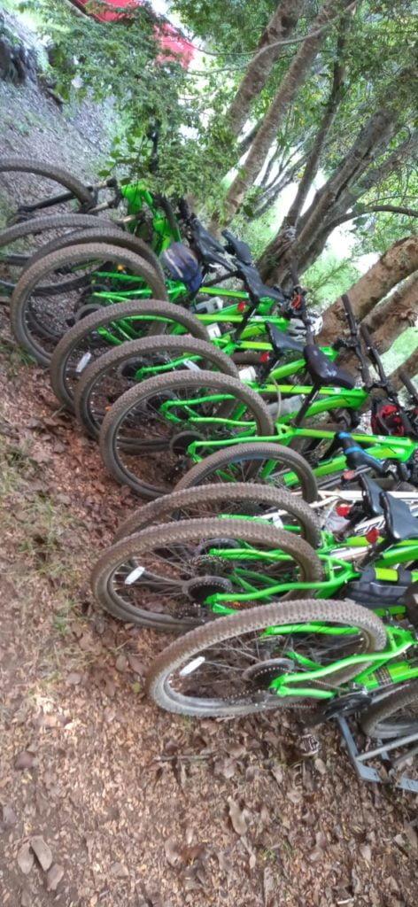 bike and rafting - bicicletas estacionadas